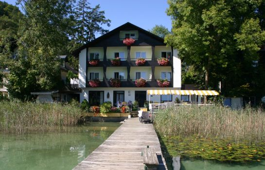 Exterior view Pension Haus am See