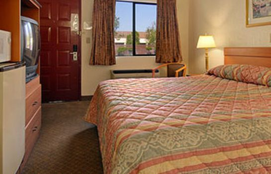 Camera TRAVELODGE SACRAMENTO RANCHO C