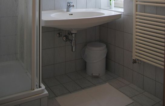 Badezimmer Pension Ehrenfried