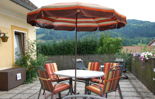 Terrasse Pension Ehrenfried