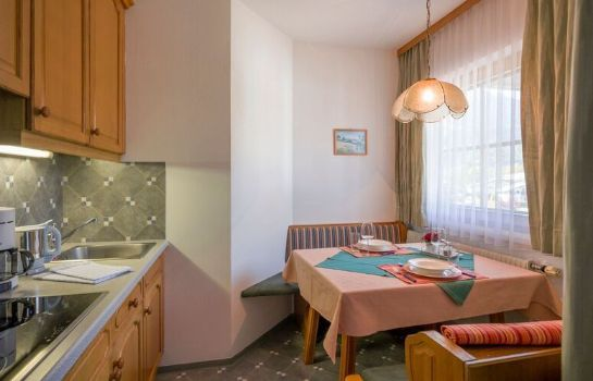 Info Garni Appartement Ortner Pension