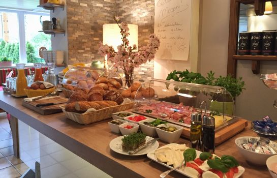 Bufet de desayuno Pension Seelos - Alpine Easy Stay