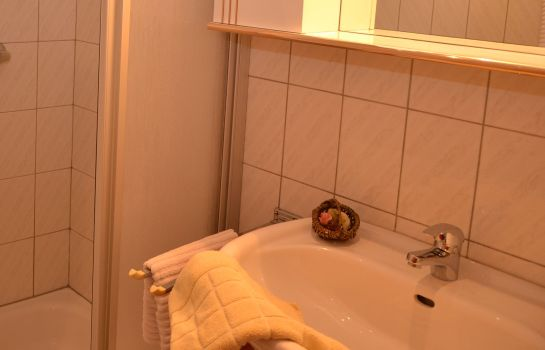 Badezimmer Komfort-Appartement STOCKER Pension