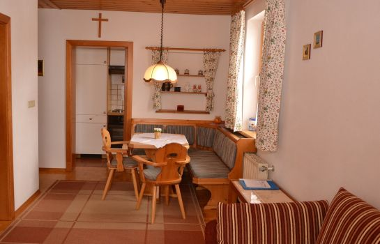 Info Komfort-Appartement STOCKER Pension