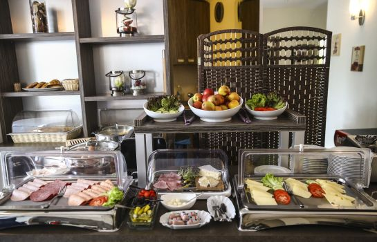 Breakfast buffet Marienthal Garni