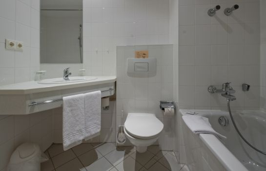 Badezimmer Rathaushotels Oberwiesenthal All Inclusive