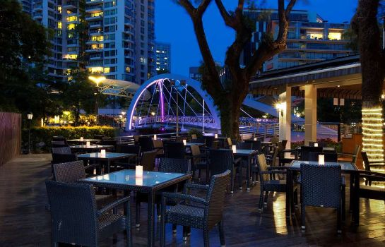 Restaurant Riverview Four Points by Sheraton Singapore