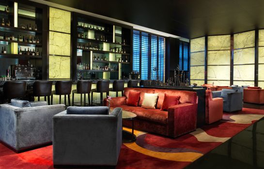 Hotel bar Four Points by Sheraton Guangzhou Dongpu