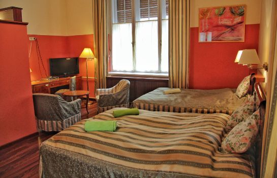Standard room Evergreen Budapest Bed & Breakfast and Guest House