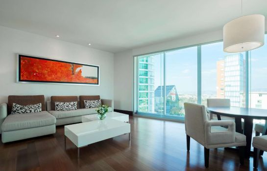 Suite NH Collection Guadalajara Providencia