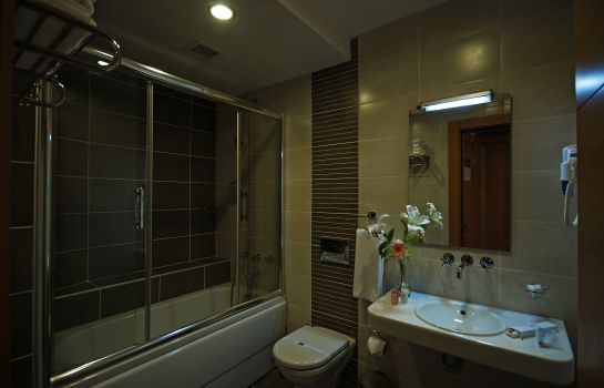 Bathroom Parkhouse Hotel & Spa