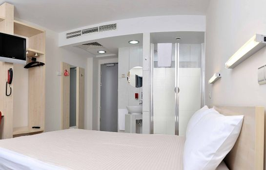 Room Hello Hotels Gara de Nord