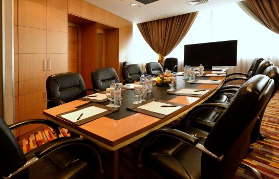 Meeting room Holiday Villa Hotel & Residence City Centre