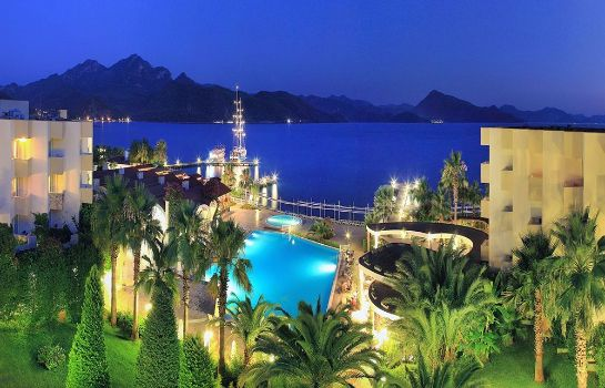 Buitenaanzicht Marmaris Resort & Spa Hotel