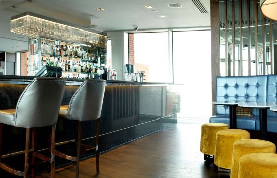 Hotel bar DoubleTree by Hilton Hotel Leeds City Centre