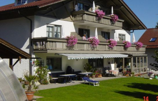 Exterior view König Pension