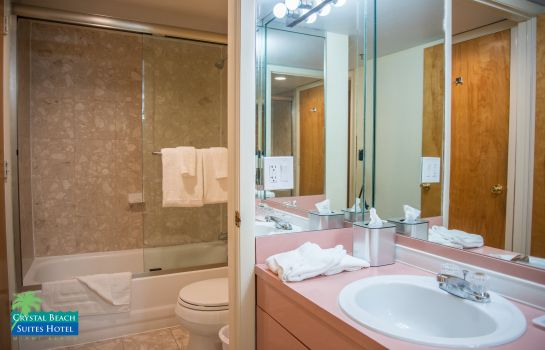 Bagno in camera Crystal Beach Suites Hotel