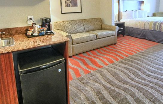 Suite MI  Dearborn Country Inn and Suites by Carlson