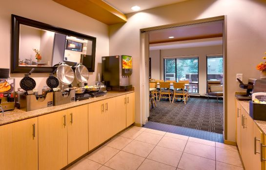Restaurant TownePlace Suites Omaha West
