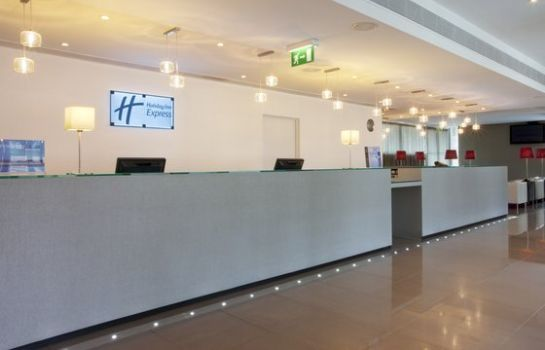 Hotelhalle Holiday Inn Express LISBON AIRPORT