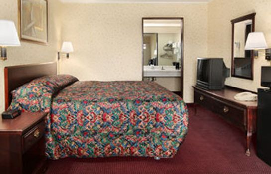 Zimmer TRAVELODGE SEYMOUR