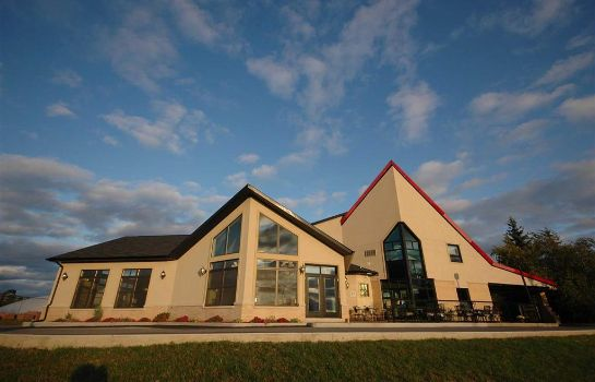 Vista exterior FIRST CANADA INNS