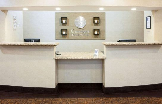Hall Comfort Inn and Suites Regional Medical