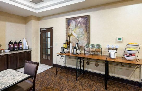 Restaurante Comfort Inn & Suites Regional Medical Center
