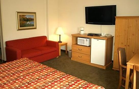 Suite Rodeway Inn & Suites near Outlet Mall - Asheville