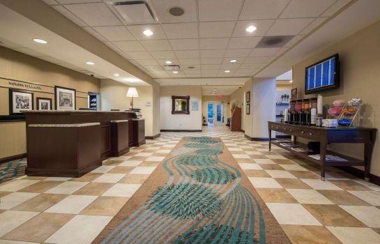 Vestíbulo del hotel Hampton Inn - Suites Atlanta Arpt West-Camp Creek Pkwy GA
