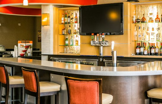 Bar del hotel Cambria hotel & suites Denver International Airport