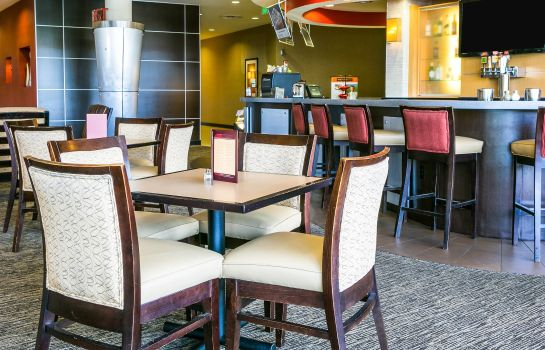 Restaurante Cambria hotel & suites Denver International Airport