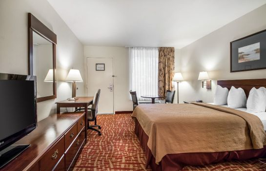 Zimmer Quality Inn At Town Center