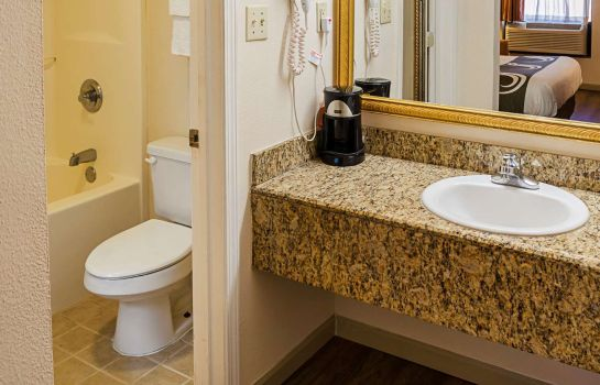 Suite Quality Inn Biloxi Beach
