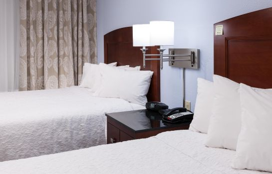 Zimmer Hampton Inn - Suites Ft Worth-Burleson