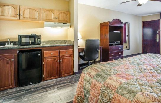 Suite Quality Inn & Suites Cameron Park