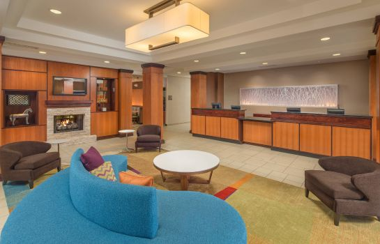 Hotel-Bar Fairfield Inn & Suites Cleveland