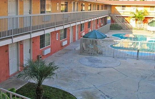 Buitenaanzicht Econo Lodge Downey
