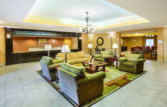 Vestíbulo del hotel La Quinta Inn and Suites Houston East at Normandy