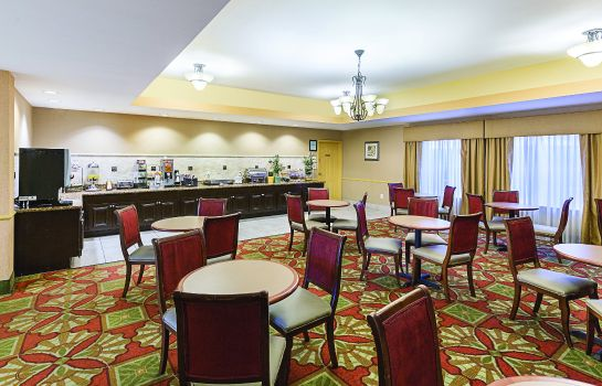 Hall La Quinta Inn and Suites Houston East at Normandy