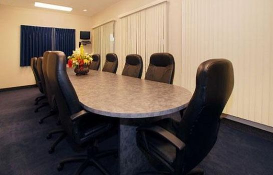 Conference room Baymont by Wyndham Indianapolis Northeast Baymont by Wyndham Indianapolis Northeast