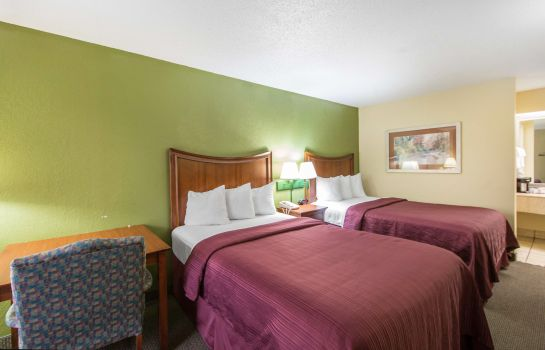 Room Quality Inn Merchants Drive