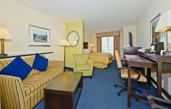 Suite Comfort Suites Amish Country