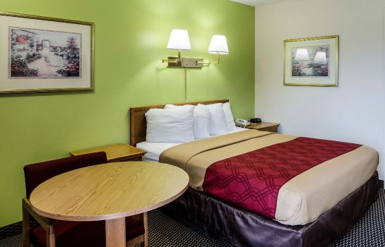 Zimmer Econo Lodge University