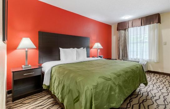 Room Quality Inn and Suites