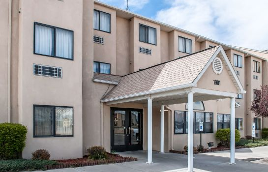 Buitenaanzicht Quality Inn Farmington