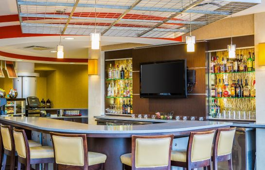 Bar hotelowy Cambria Hotel Madison East