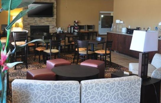 Restaurante Rodeway Inn & Suites near Okoboji Lake