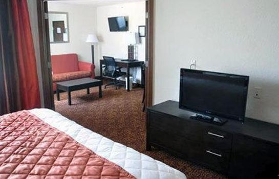 Suite Rodeway Inn & Suites near Okoboji Lake