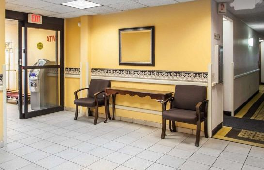 Hall Rodeway Inn and Suites Milwaukee Airport